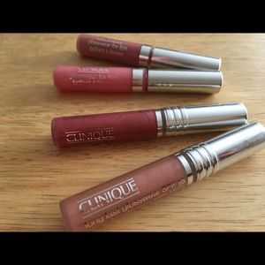 Clinique lipgloss lot. FRESH